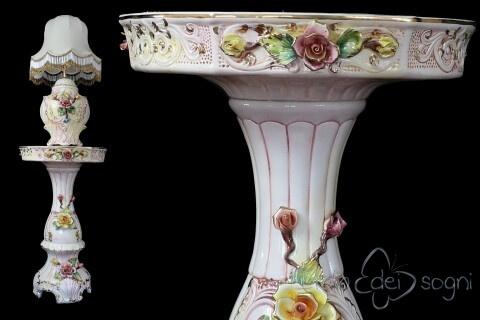 Tavolino con lampada in stile capodimonte
