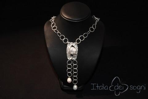 Collana in argento e perle barocche