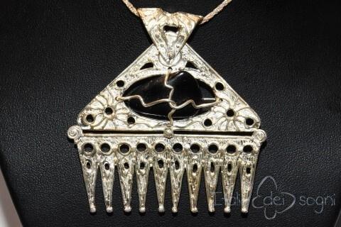 Piceno pendant