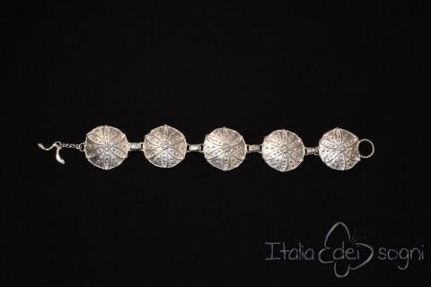 Bracciale Piceno in argento a scudi circolari, grandi