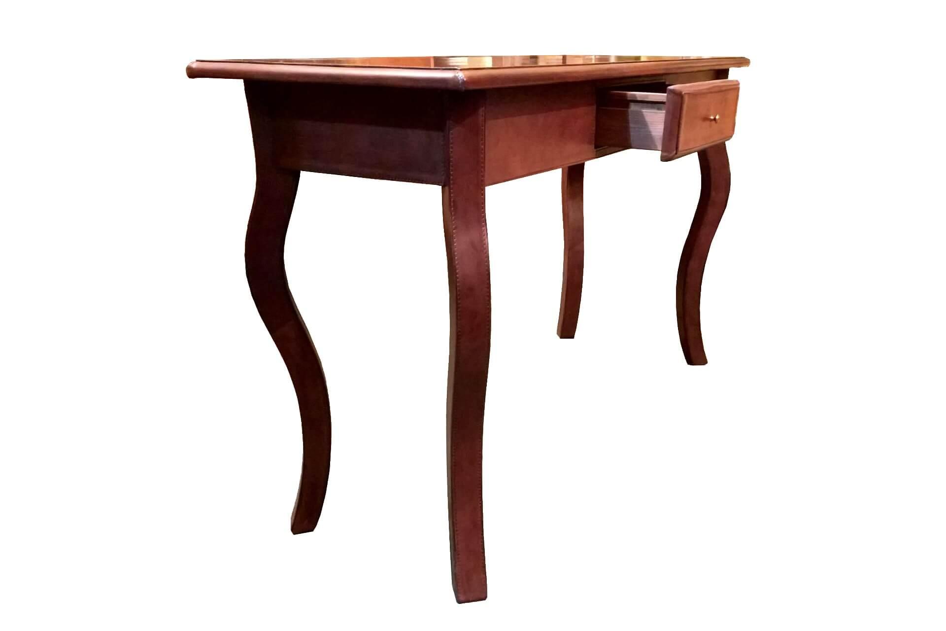 Elegante consolle in legno massello rivestito in cuoio for Cuoio arredo