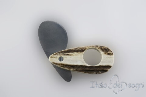 Oval cigar-cutter, deer