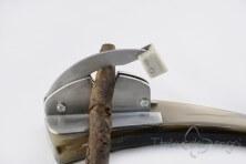 Cigar-cutter, ox horn