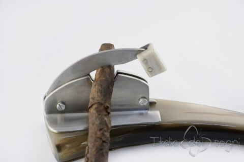 Tisch Zigarrencutter corno bue