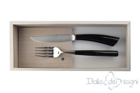 pair of Noble cutlery, buffalo